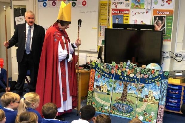 Bishop Rachel Treweek at Willersey School