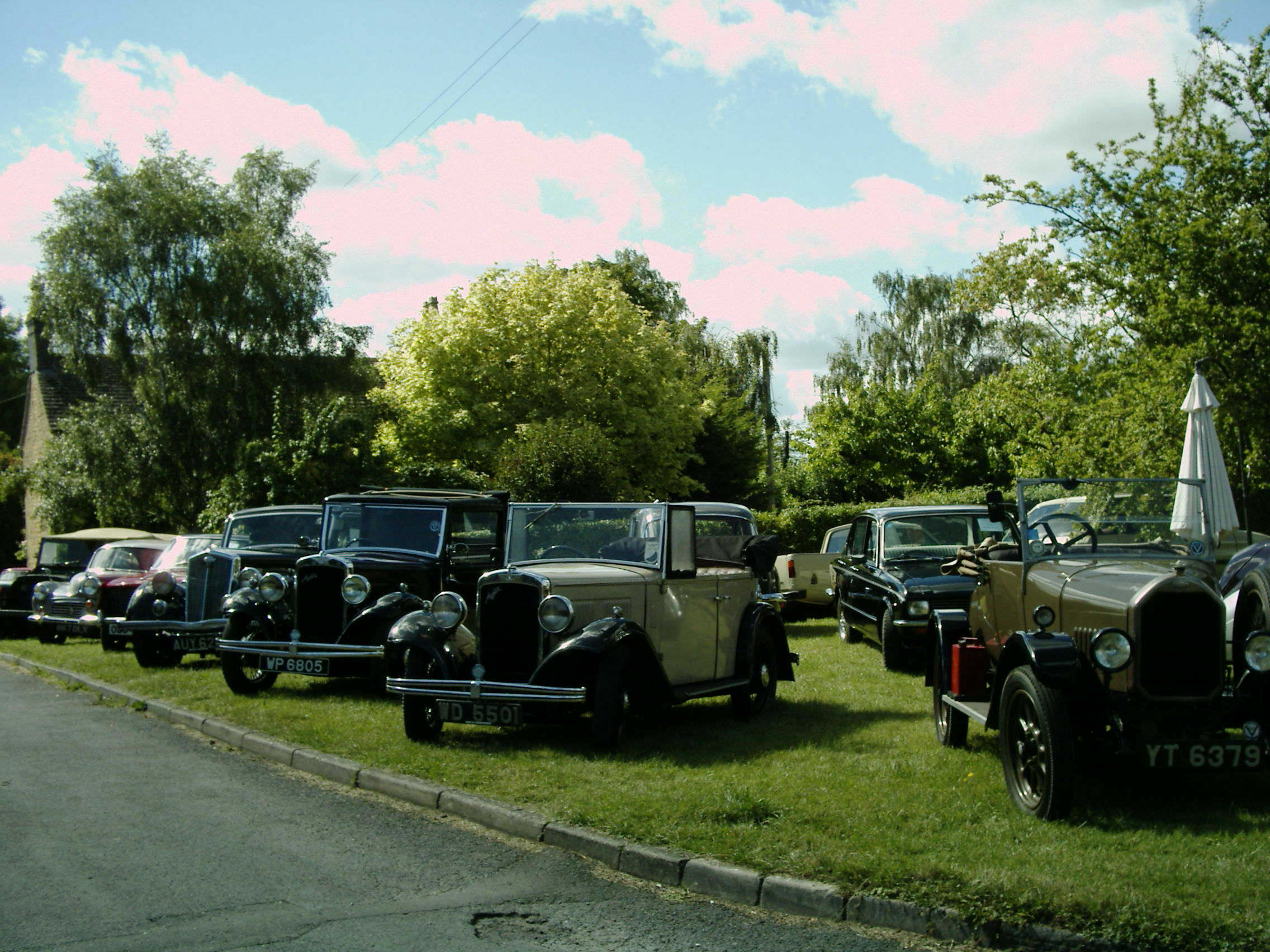 Veteran cars in Willersey